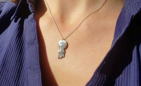 Tom le fantome – women's silver necklace